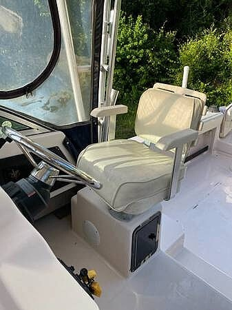 1998 Grady-White boat for sale, model of the boat is 272 Sailfish & Image # 5 of 11