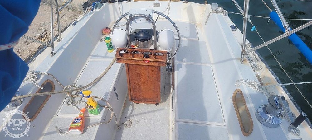 1983 Catalina Yachts boat for sale, model of the boat is 30 Tall Rig & Image # 2 of 10