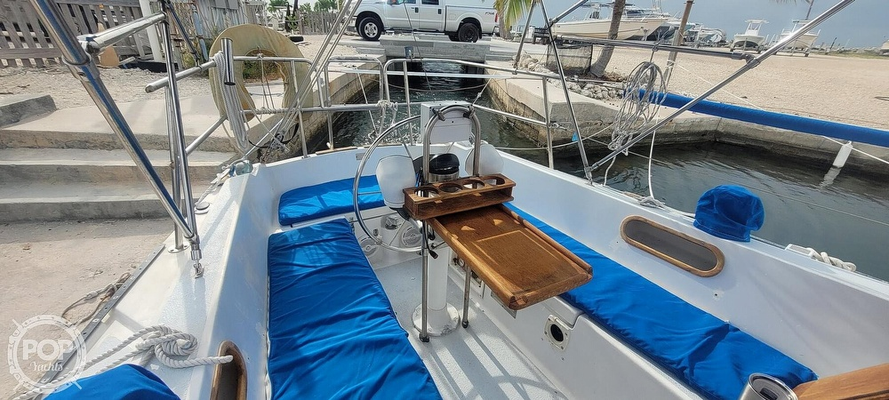 1983 Catalina Yachts boat for sale, model of the boat is 30 Tall Rig & Image # 5 of 10