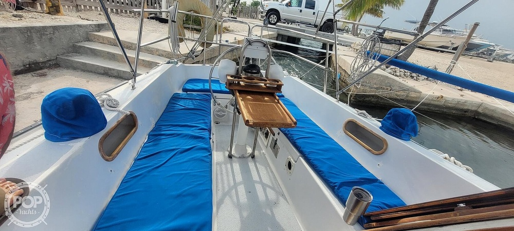 1983 Catalina Yachts boat for sale, model of the boat is 30 Tall Rig & Image # 7 of 10