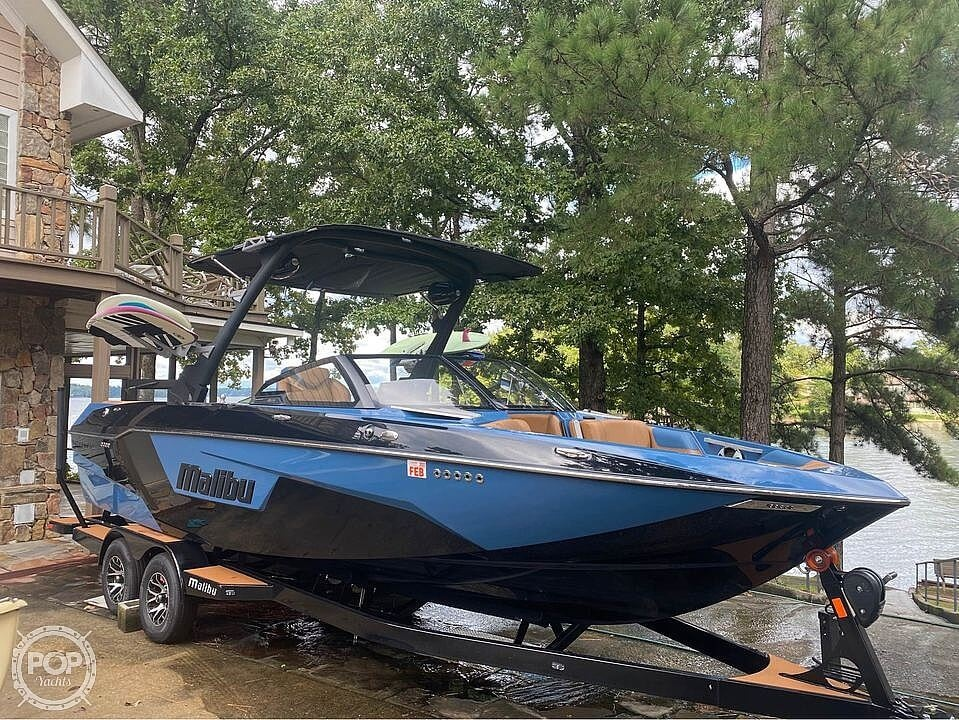2021 Malibu boat for sale, model of the boat is 25 lsv & Image # 5 of 8