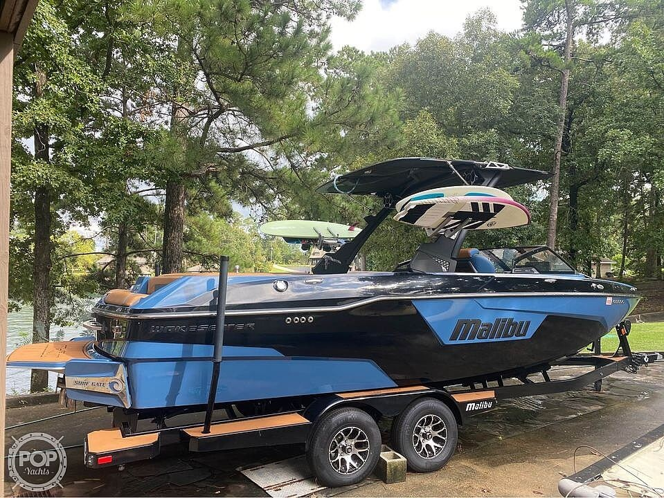 2021 Malibu boat for sale, model of the boat is 25 lsv & Image # 6 of 8