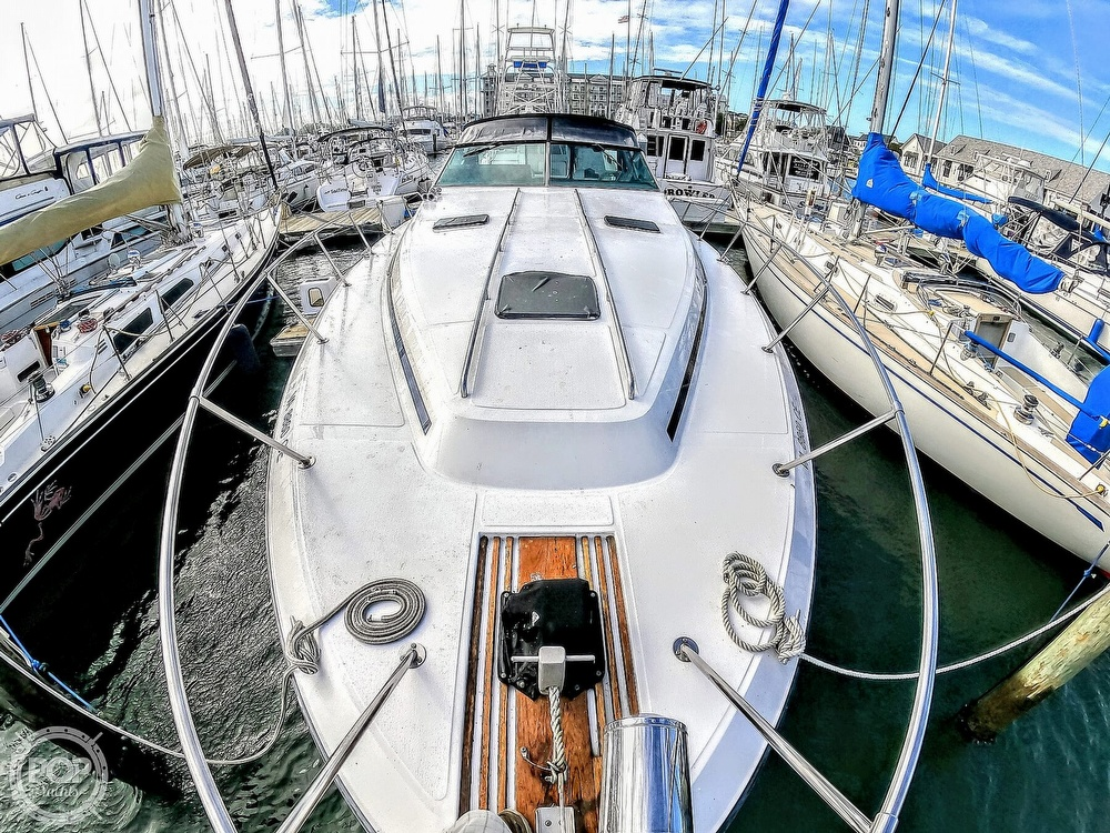 1989 Sea Ray boat for sale, model of the boat is 390 & Image # 10 of 40