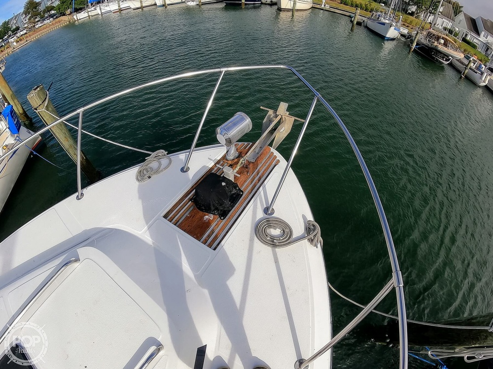 1989 Sea Ray boat for sale, model of the boat is 390 & Image # 36 of 40