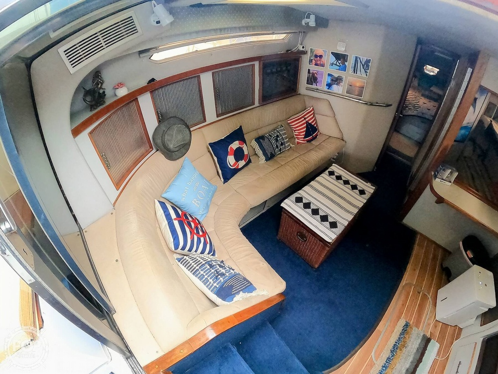 1989 Sea Ray boat for sale, model of the boat is 390 & Image # 40 of 40