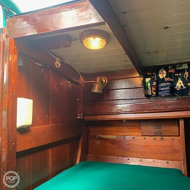 1992 Lowell boat for sale, model of the boat is Amesbury Skiff & Image # 5 of 25