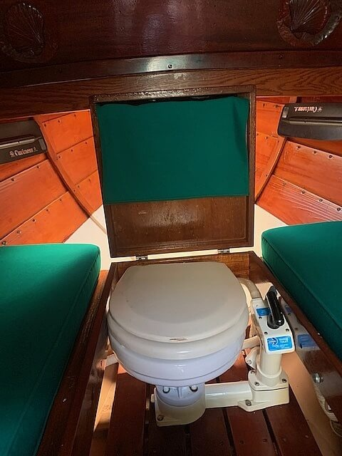 1992 Lowell boat for sale, model of the boat is Amesbury Skiff & Image # 9 of 25