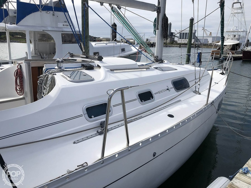 1995 Beneteau boat for sale, model of the boat is 321 Oceanis & Image # 6 of 40