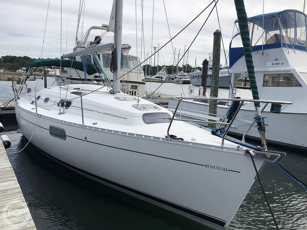 1995 Beneteau boat for sale, model of the boat is 321 Oceanis & Image # 7 of 40