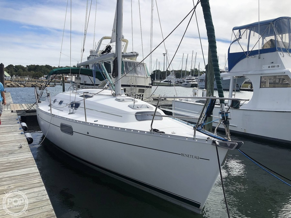 1995 Beneteau boat for sale, model of the boat is 321 Oceanis & Image # 8 of 40