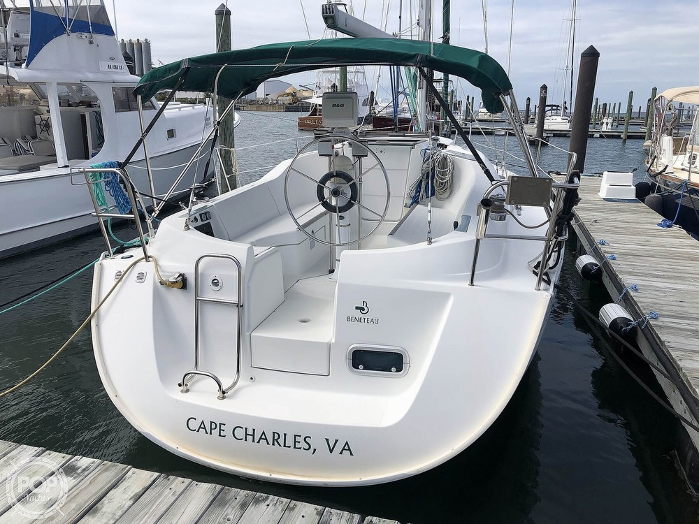1995 Beneteau boat for sale, model of the boat is 321 Oceanis & Image # 2 of 40