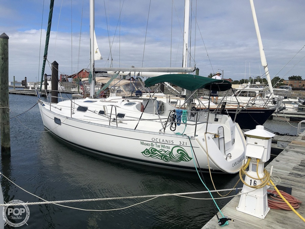 1995 Beneteau boat for sale, model of the boat is 321 Oceanis & Image # 14 of 40