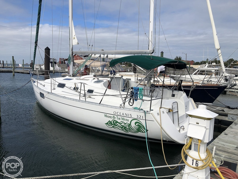 1995 Beneteau boat for sale, model of the boat is 321 Oceanis & Image # 4 of 40