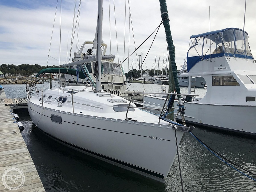 1995 Beneteau boat for sale, model of the boat is 321 Oceanis & Image # 17 of 40
