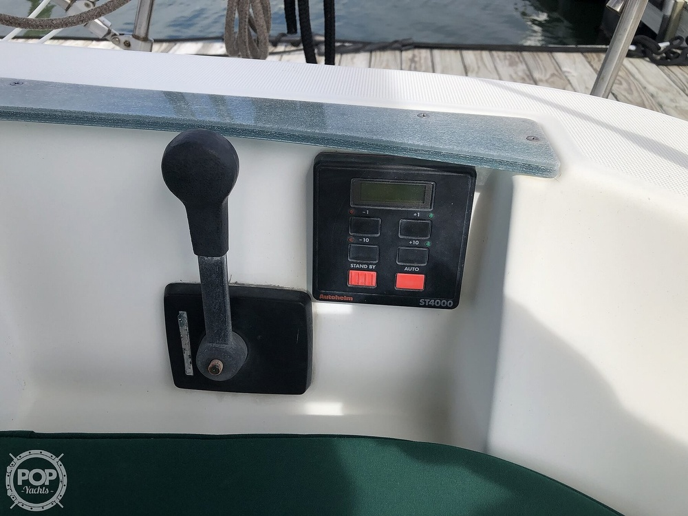 1995 Beneteau boat for sale, model of the boat is 321 Oceanis & Image # 25 of 40