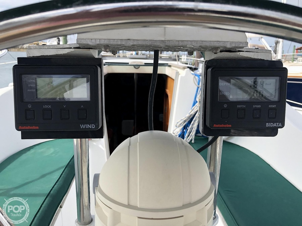 1995 Beneteau boat for sale, model of the boat is 321 Oceanis & Image # 27 of 40