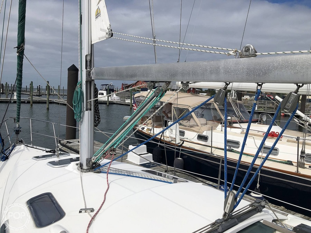 1995 Beneteau boat for sale, model of the boat is 321 Oceanis & Image # 33 of 40