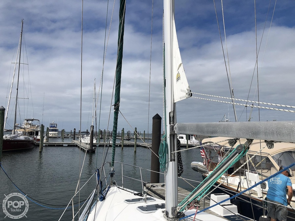 1995 Beneteau boat for sale, model of the boat is 321 Oceanis & Image # 36 of 40