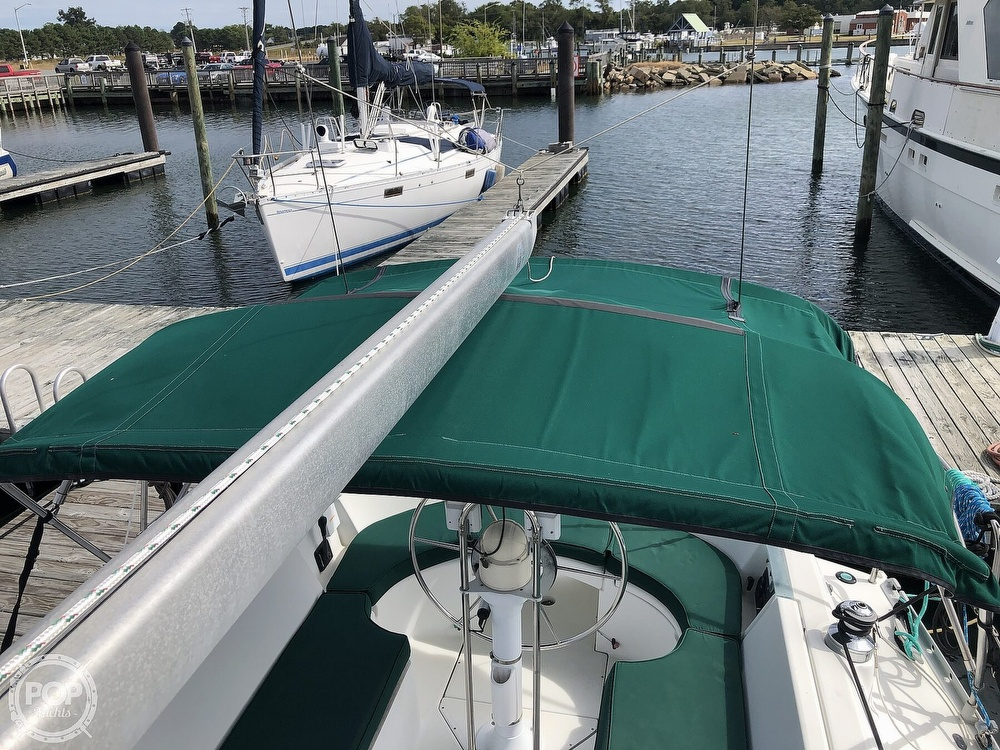 1995 Beneteau boat for sale, model of the boat is 321 Oceanis & Image # 39 of 40