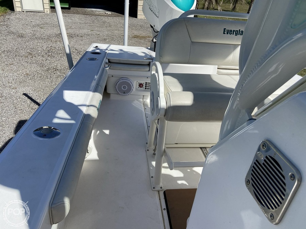 2017 Everglades boat for sale, model of the boat is 243CC & Image # 9 of 40