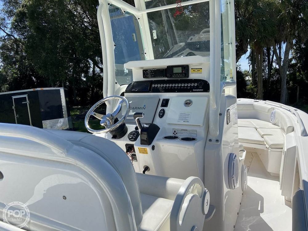 2017 Everglades boat for sale, model of the boat is 243CC & Image # 8 of 40