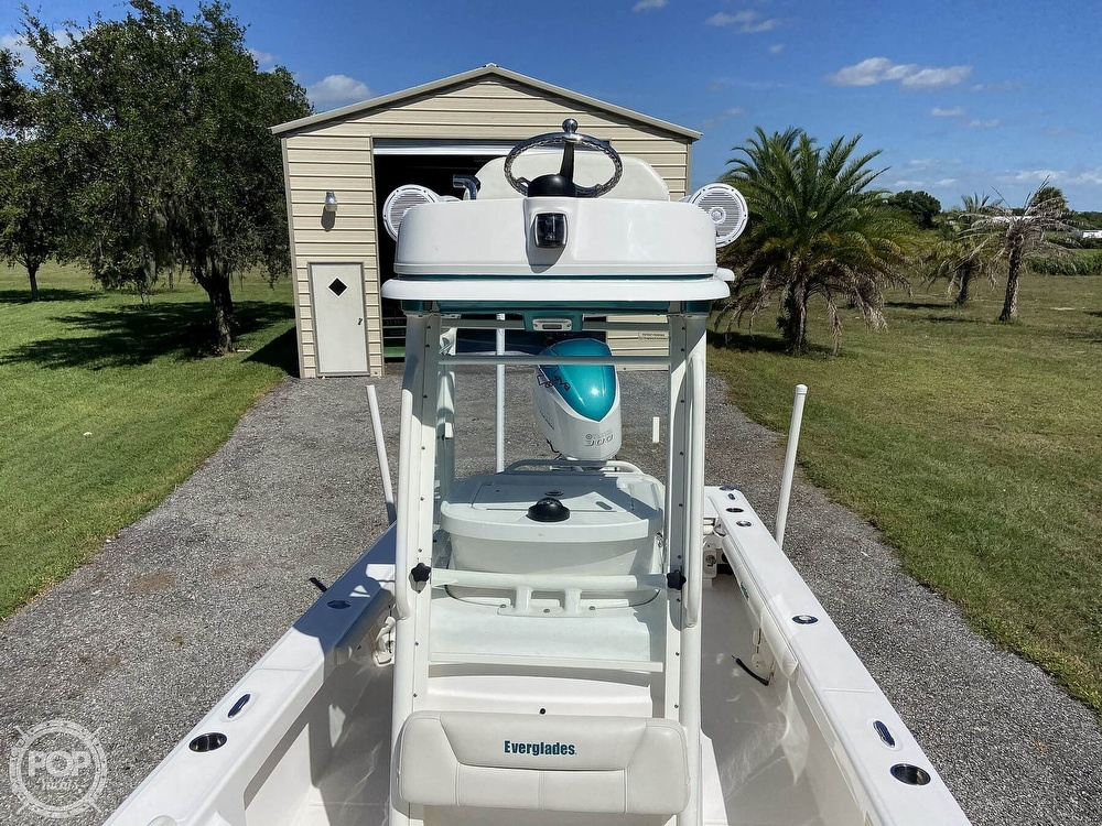 2017 Everglades boat for sale, model of the boat is 243CC & Image # 20 of 40