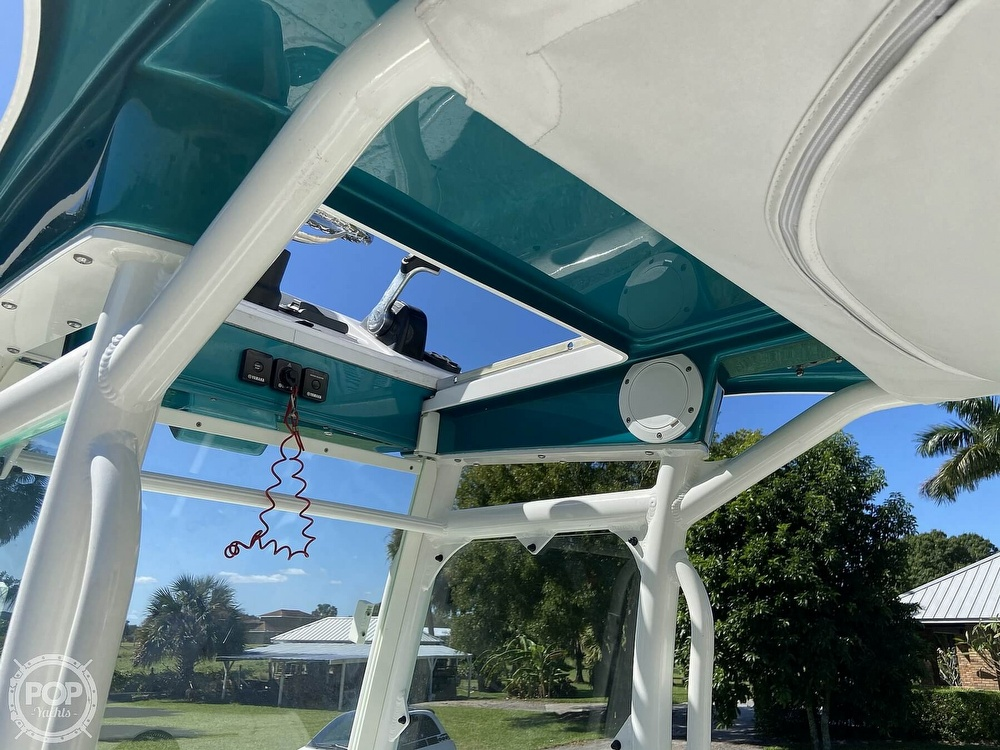 2017 Everglades boat for sale, model of the boat is 243CC & Image # 12 of 40