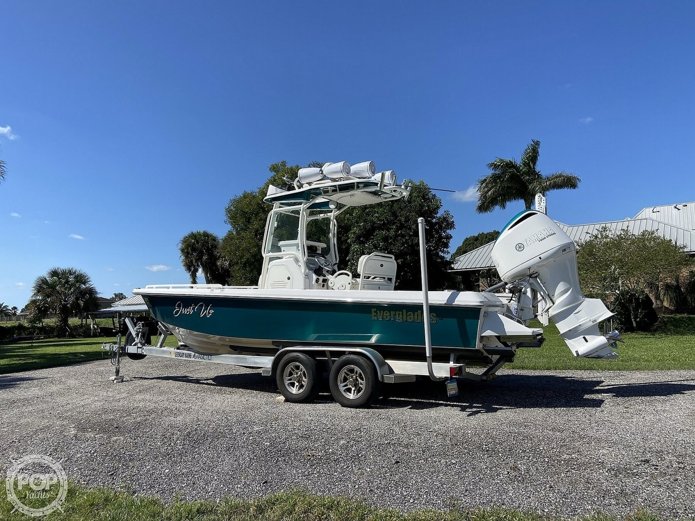 2017 Everglades boat for sale, model of the boat is 243CC & Image # 26 of 40