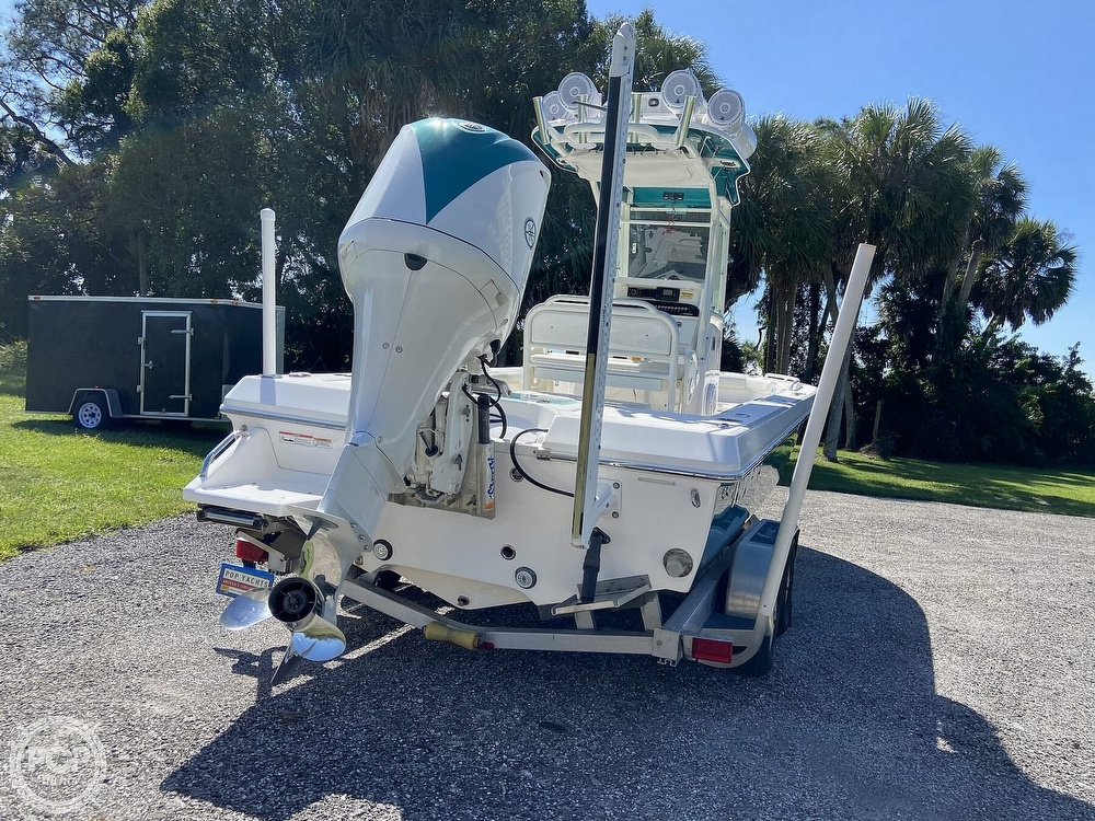 2017 Everglades boat for sale, model of the boat is 243CC & Image # 11 of 40