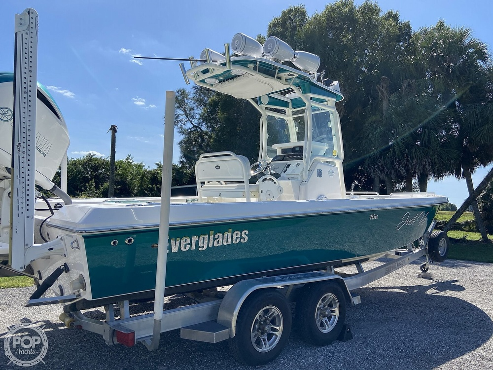 2017 Everglades boat for sale, model of the boat is 243CC & Image # 32 of 40