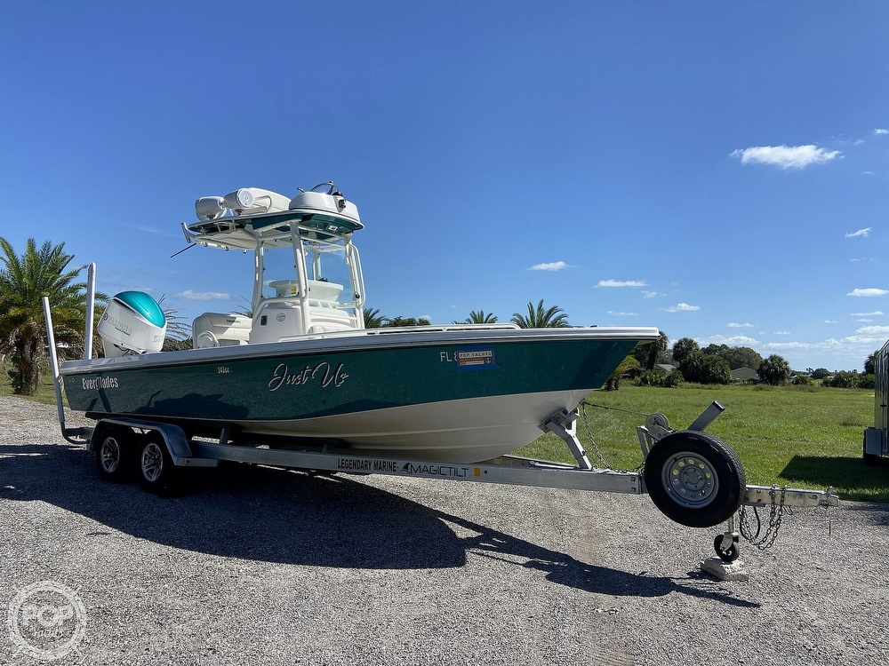 2017 Everglades boat for sale, model of the boat is 243CC & Image # 33 of 40