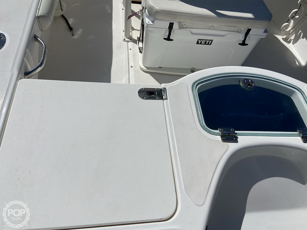 2017 Everglades boat for sale, model of the boat is 243CC & Image # 5 of 40
