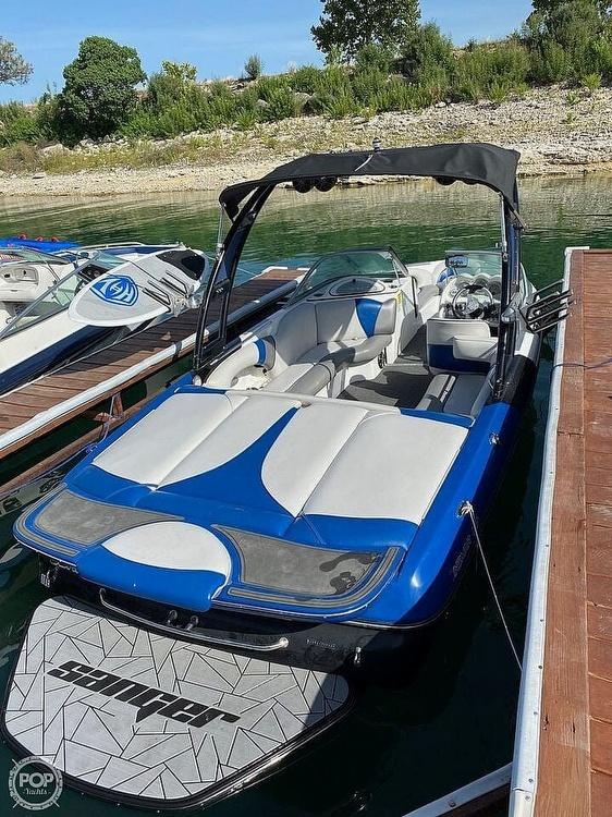 2014 Sanger boat for sale, model of the boat is V215 & Image # 3 of 4