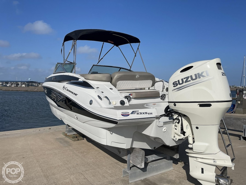 2018 Crownline boat for sale, model of the boat is E23 XS & Image # 3 of 40