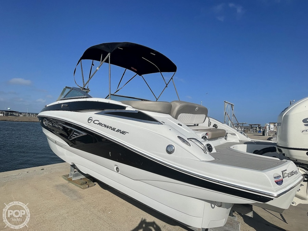 2018 Crownline boat for sale, model of the boat is E23 XS & Image # 26 of 40