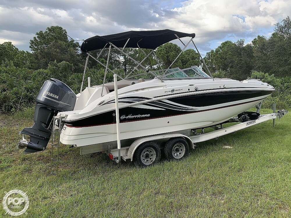 2014 Hurricane boat for sale, model of the boat is Sundeck 2400 & Image # 7 of 30