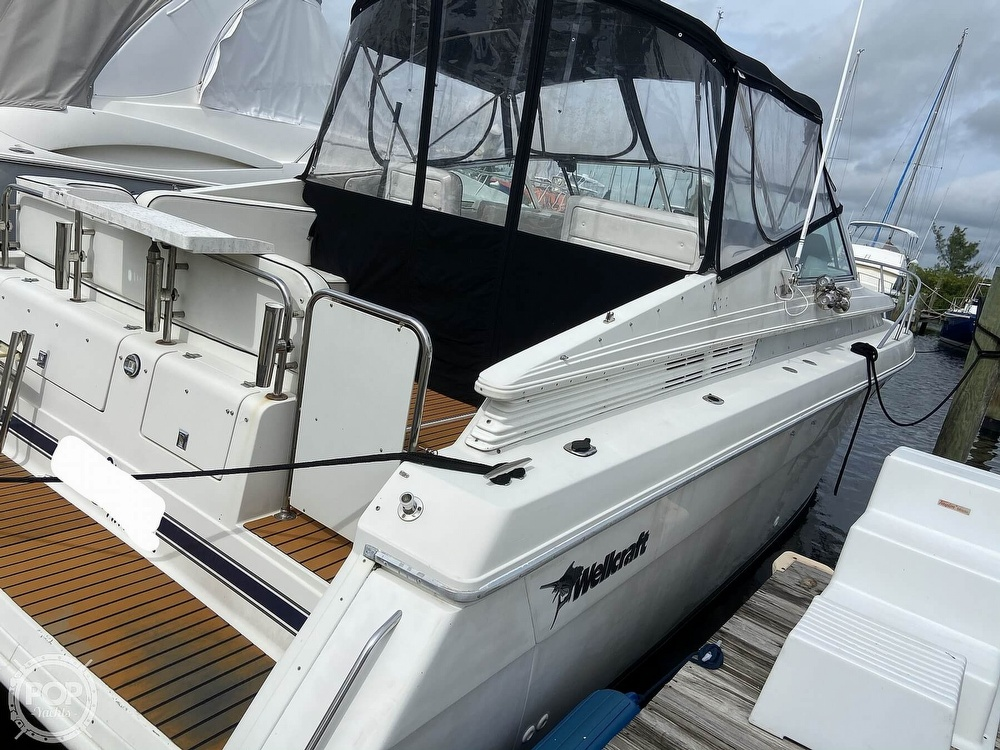 1991 Wellcraft boat for sale, model of the boat is 33 ST. TROPEZ & Image # 14 of 40