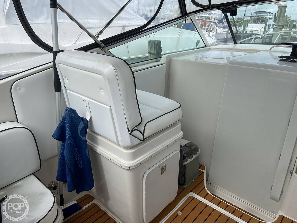 1991 Wellcraft boat for sale, model of the boat is 33 ST. TROPEZ & Image # 23 of 40