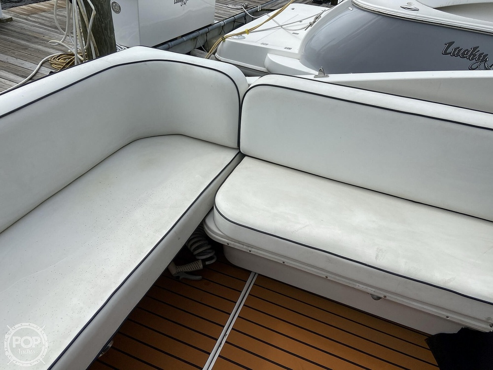 1991 Wellcraft boat for sale, model of the boat is 33 ST. TROPEZ & Image # 33 of 40