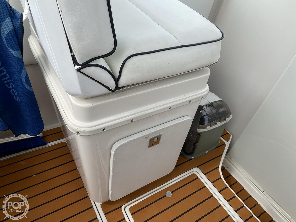 1991 Wellcraft boat for sale, model of the boat is 33 ST. TROPEZ & Image # 34 of 40