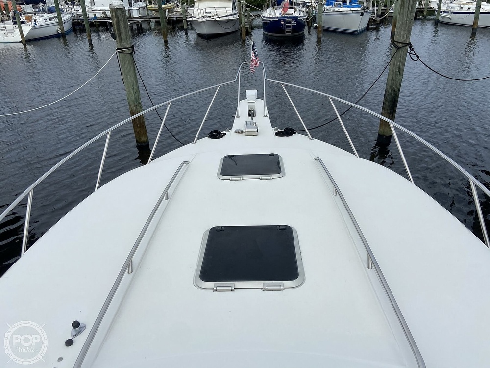 1991 Wellcraft boat for sale, model of the boat is 33 ST. TROPEZ & Image # 3 of 40