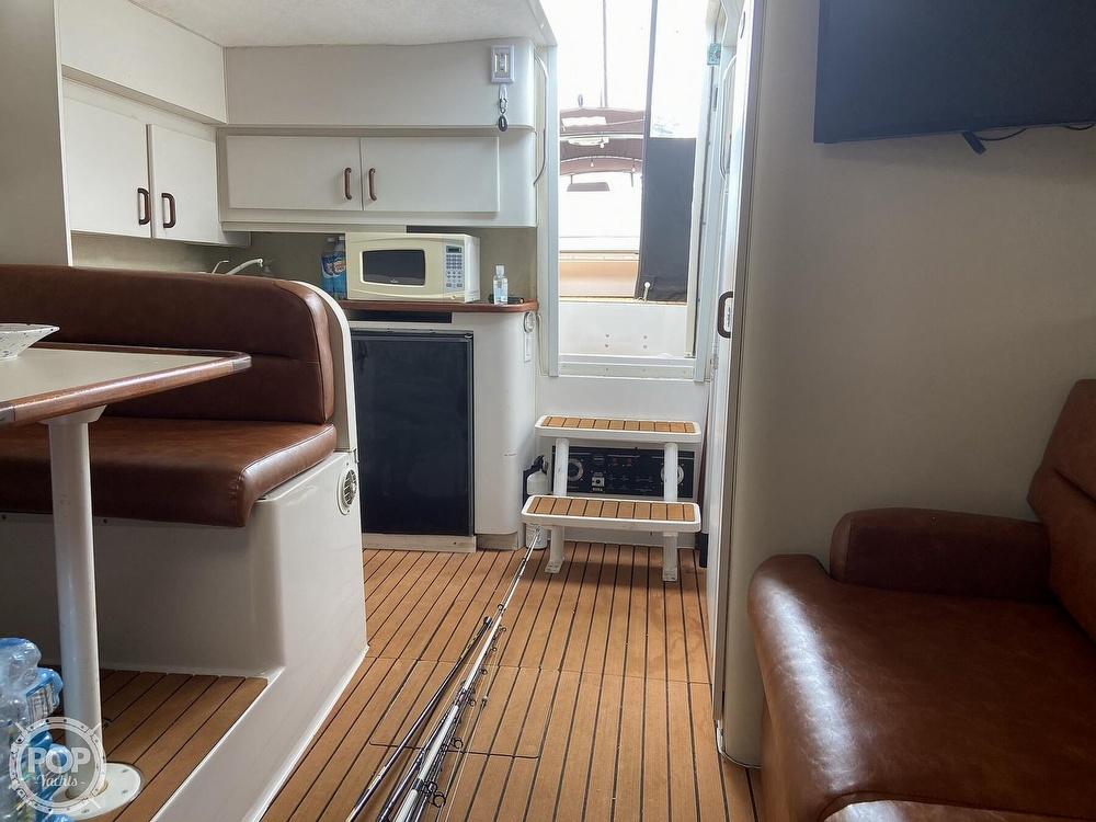1991 Wellcraft boat for sale, model of the boat is 33 ST. TROPEZ & Image # 4 of 40