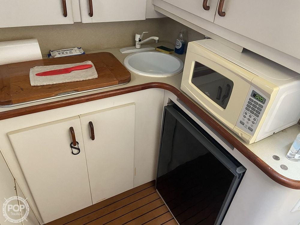 1991 Wellcraft boat for sale, model of the boat is 33 ST. TROPEZ & Image # 5 of 40