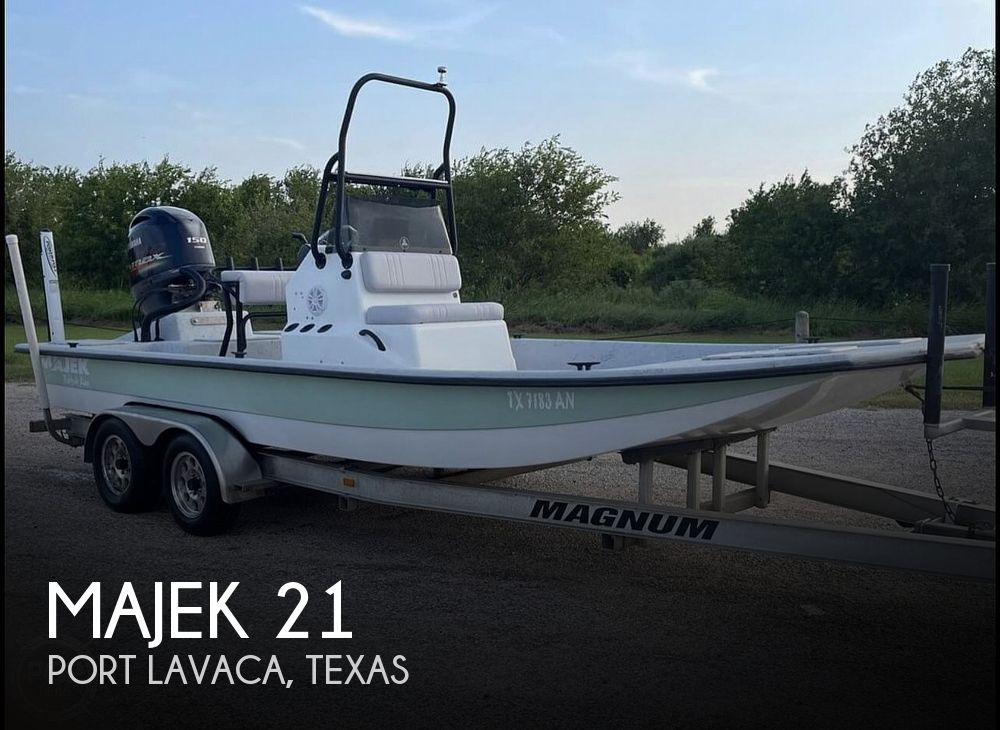 Used Majek Boats For Sale by owner | 2007 Majek 21 Red Fish Line