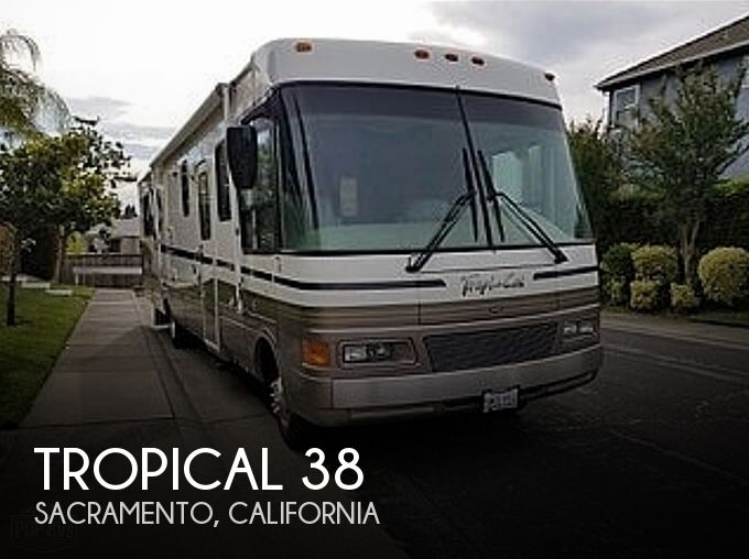 2000 National RV Tropical 38