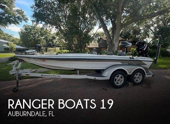 2002 Ranger Boats Commanche 19