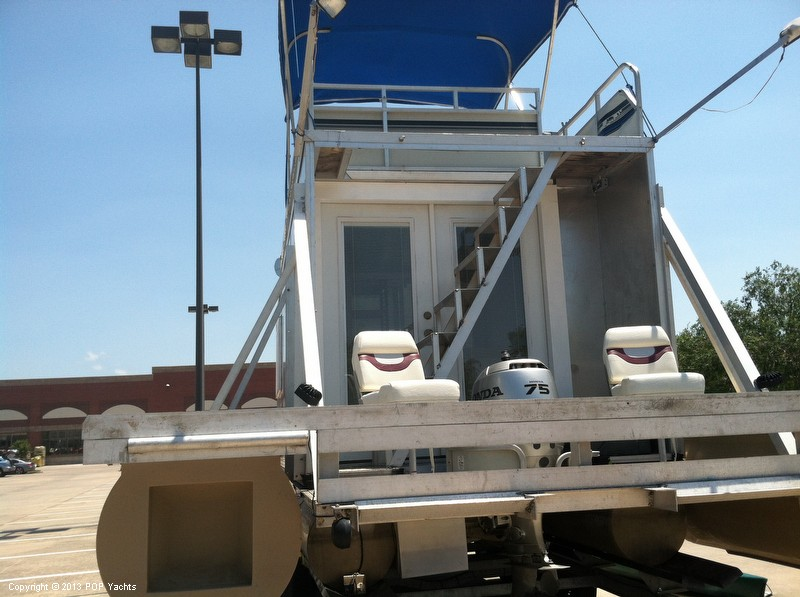 1992 Tracker Boats boat for sale, model of the boat is 24 Custom Houseboat & Image # 16 of 40