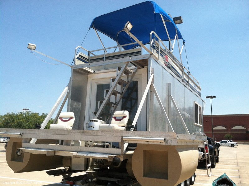 1992 Tracker Boats boat for sale, model of the boat is 24 Custom Houseboat & Image # 20 of 40