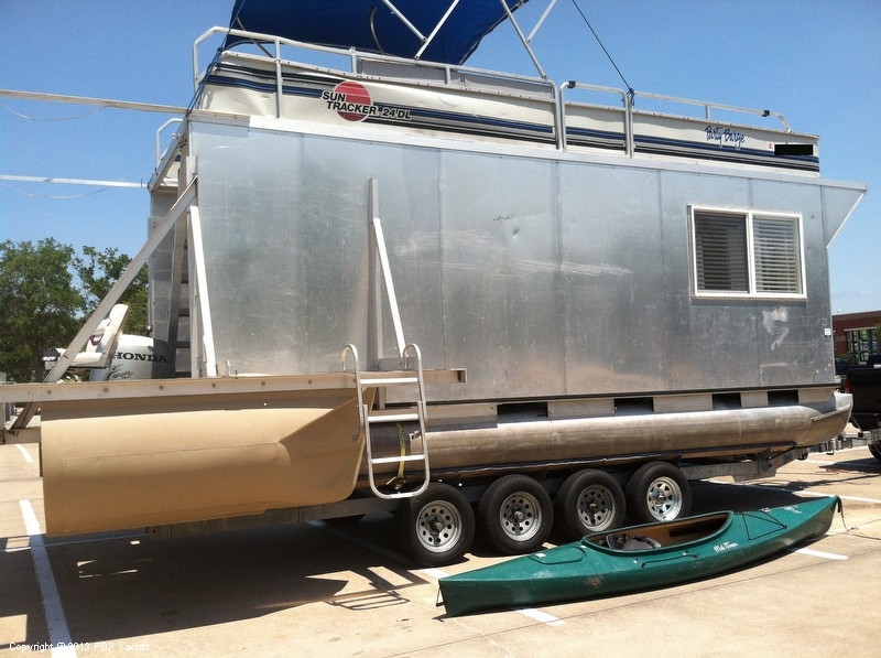 1992 Tracker Boats boat for sale, model of the boat is 24 Custom Houseboat & Image # 22 of 40