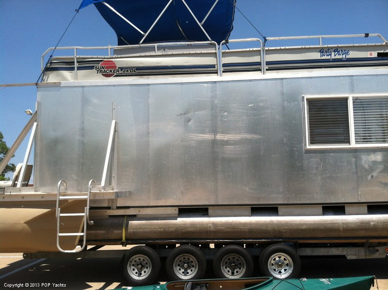 1992 Tracker Boats boat for sale, model of the boat is 24 Custom Houseboat & Image # 24 of 40